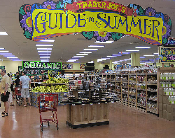 trader joe s grocery store unique business Trader joe's seems to be winning at attracting more natural and organic food shoppers into their doors, a recent research and markets report finds according to the data, 105% of the nation's.