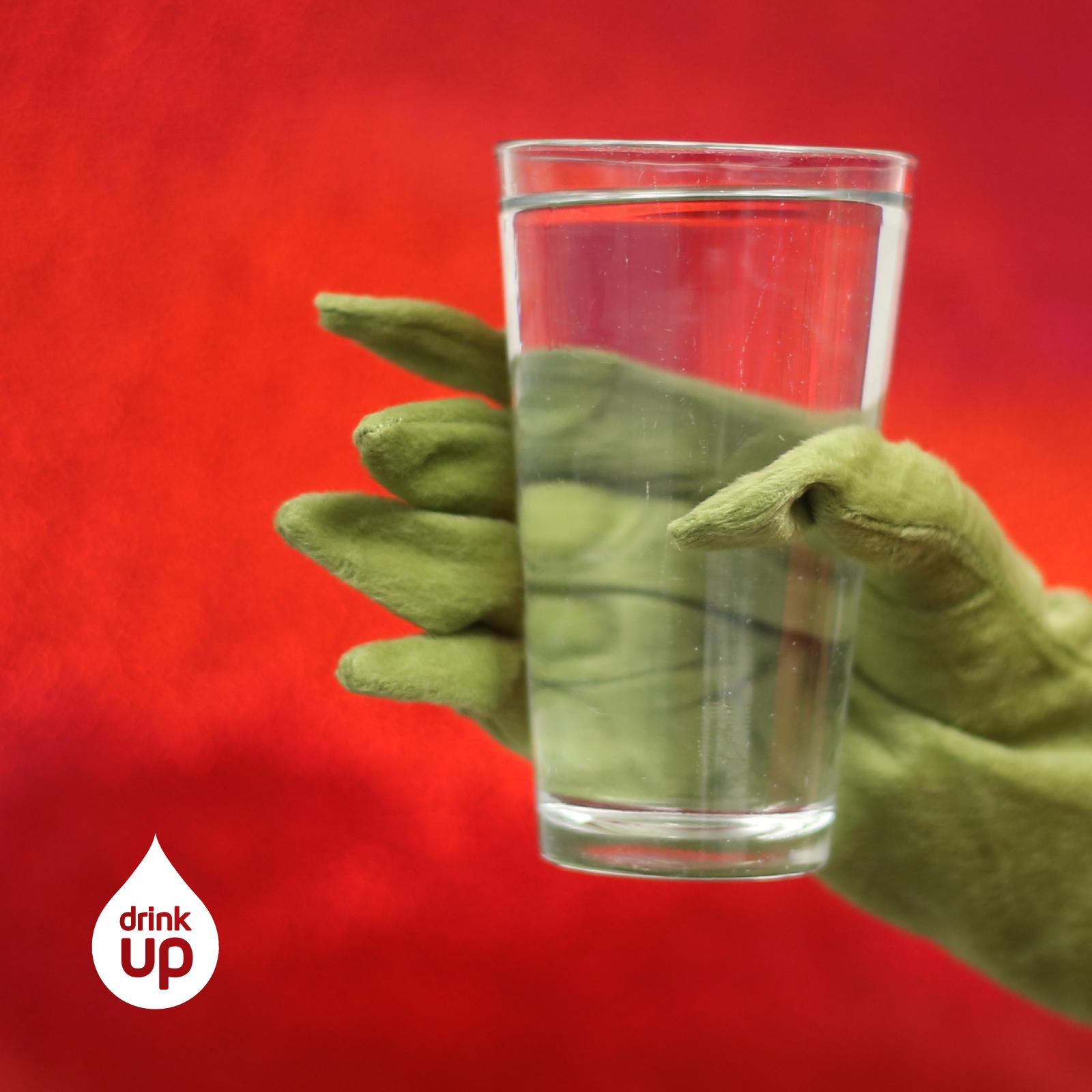 grinch-hand-water